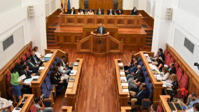 COVID-19 | A las 12:00 pleno de Las Cortes regionales
