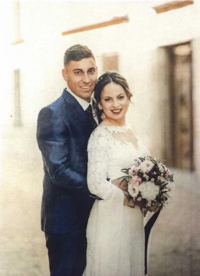 Adrián Moreno y Elena Rodríguez sellan su amor