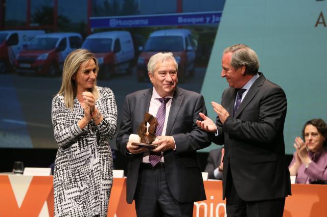 Luis Gavín recoge el premio cpmo mejor empresario de la provincia de Toledo