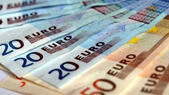 ÚLTIMA HORA l El Gobierno subirá el salario mínimo a 950 euros