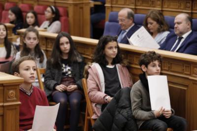 El 'Pleno de la Infancia' del parlamento autonómico celebrará los 30 años de la convención sobre los derechos infantiles