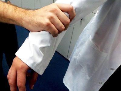 CLM registró 424 agresiones a profesionales sanitarios