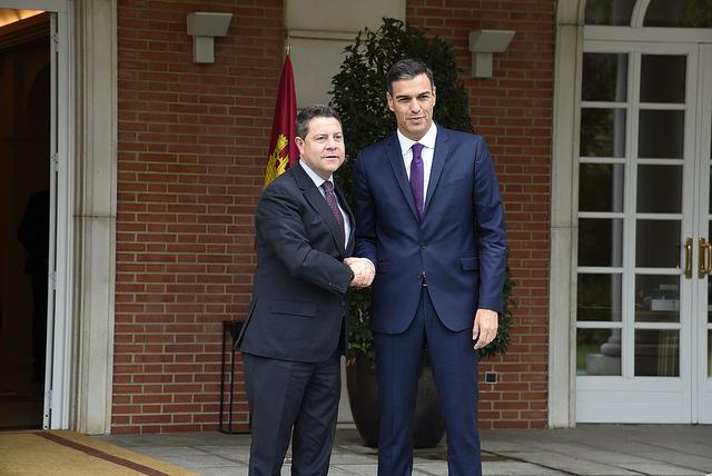 """Sánchez se compromete con Page a realizar """"actuaciones rápidas"""" en la línea ferroviaria a su paso por Talavera"""