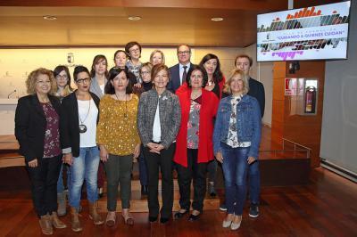 El Gobierno regional presenta el Plan de Formación 'Cuidando a quienes cuidan'