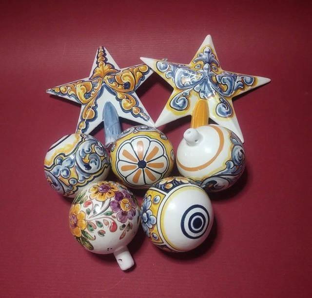 Esta es la propuesta de Isabel Rueda para decorar con cerámica talaverana en Navidad
