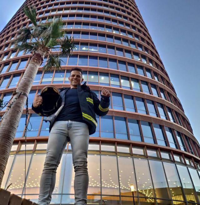 NUESTRA GENTE | Un bombero de Talavera, campeón individual y por equipos en la Cronoescalada de la Torre de Sevilla