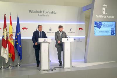 Estabilidad presupuestaria: 'Los hombres de negro' se marchan de Castilla-La Mancha