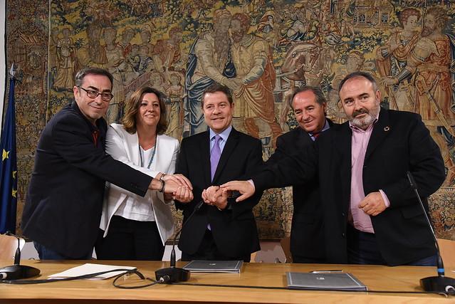 Las claves del nuevo pacto firmado entre la Junta CLM y los agentes sociales