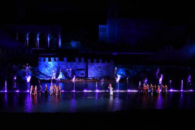 Puy du Fou   'El Sueño de Toledo' cautiva a más de 4.000 personas en su inauguración