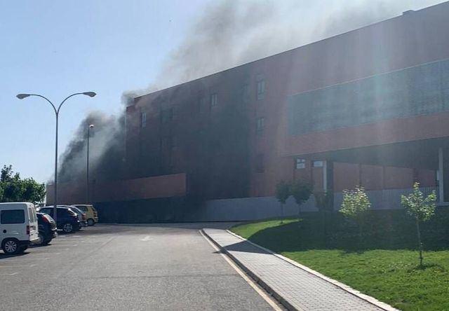 ÚLTIMA HORA | Declarado un incendio en el Hospital de Hellín