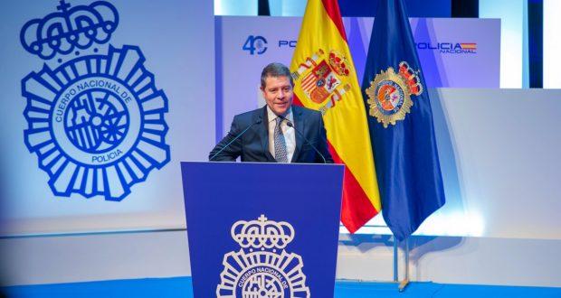 Page defiende el derecho a la igualdad y agradece a la Policía Nacional su trabajo para garantizarlo