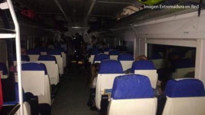 Renfe revisará protocolos y dotará a los trenes con mecánicos tras la avería del tren de este martes