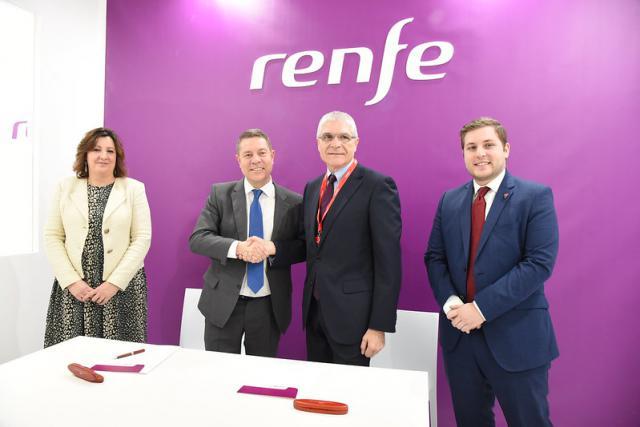 Castilla-La Mancha y Renfe firman un acuerdo para implantar nuevos trenes turísticos en la región