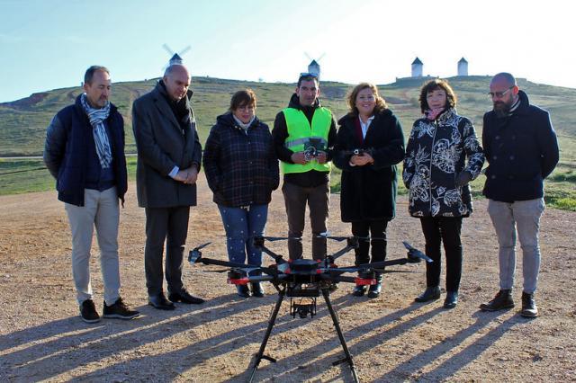 CLM pone en marcha el primer curso oficial de piloto de drones para docentes de FP
