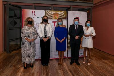 FOTONOTICIA CULTURAL | El Gobierno regional se felicita…