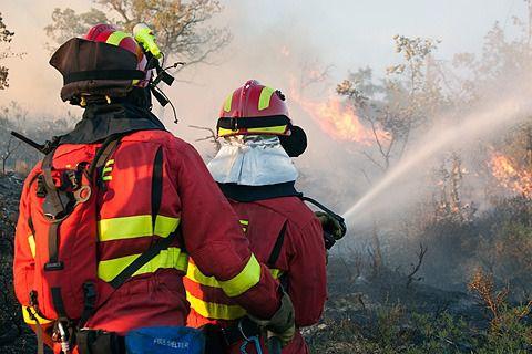 INCENDIO | Retirada de la UME tras estabilizar el fuego de Férez