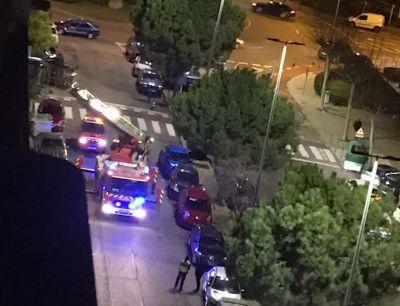 TALAVERA | Los bomberos intervienen colegio Cristóbal Colón por la caída de una cornisa