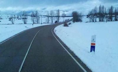 CLM | La red de carreteras está totalmente transitable: en algunos tramos es necesario el uso de cadenas