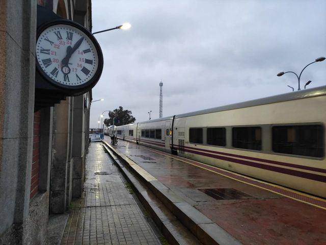 TALAVERA-MADRID | CLM pide al Ministerio 49 millones de euros para el tren actual antes de que llegue el AVE