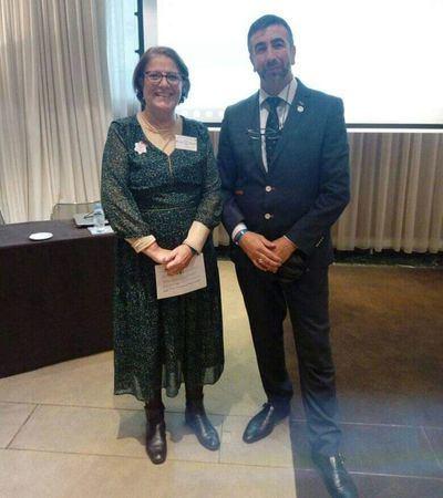 José Ignacio Carmona junto a la Presidenta de la comunidad judía de Ginebra durante el Kesher Day