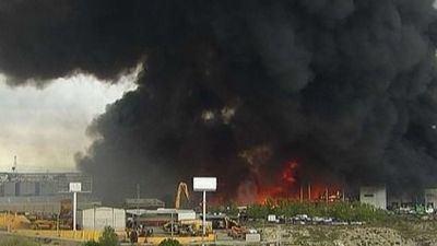 VÍDEO Y FOTOS | Espectacular incendio de una nave en Seseña