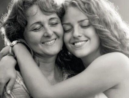 EL CORTE INGLÉS   Celebra el Día de la Madre con ideas de regalo para ellas, que se lo merecen todo