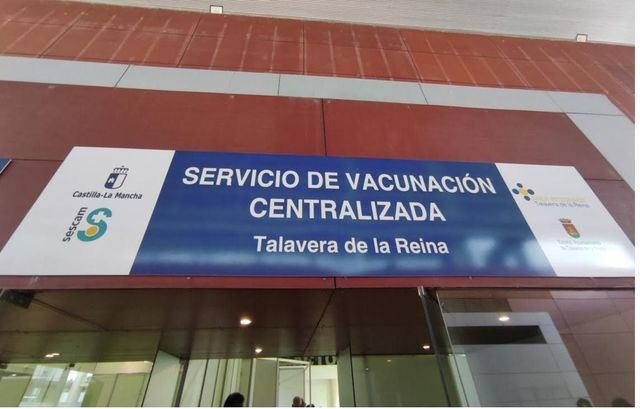 Entrada al pabellón 2 del Recinto Ferial | Vacunación Covid-19 | Foto: D.M.M. | La Voz del Tajo