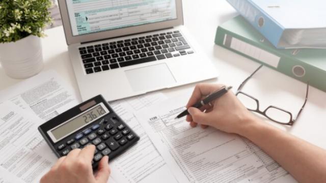 COVID-19 | CLM facilitará el aplazamiento y fraccionamiento de las deudas tributarias