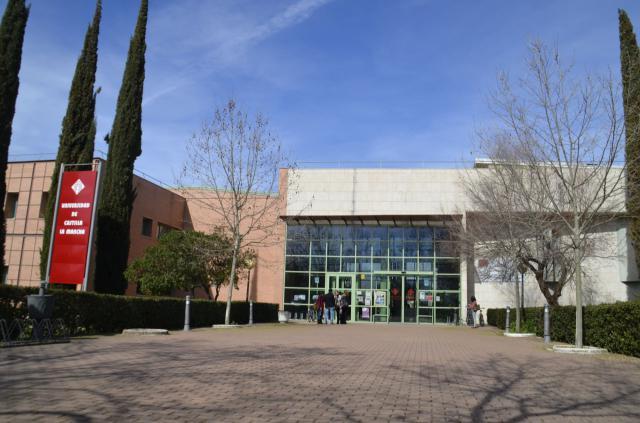 Page suscribe este martes el convenio con la UCLM que compromete Informática en Talavera