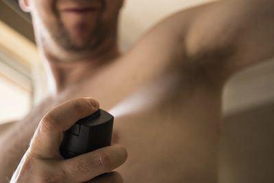 ¿Desodorante o antitranspirante? Claves para combatir los efectos del calor