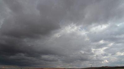 Descenso de temperaturas y cielos nubosos en CLM
