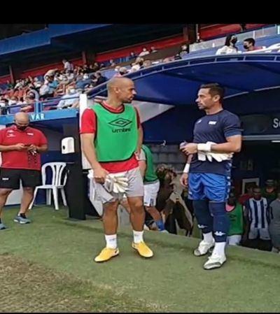 El portero Miño entrena con el CF Talavera