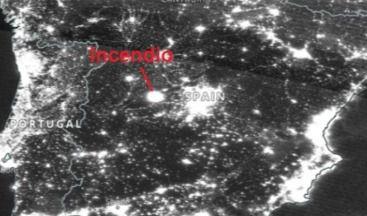 La impactante foto del incendio en Navalacruz desde un satélite de la NASA