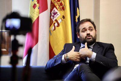 Núñez insiste en que Page no debe ocuparse de la crisis en Afganistán