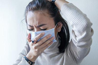 Los enfermos de Covid con dolor de cabeza tienen menos riesgo de morir