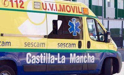 Dos personas heridas tras volcar un camión y chocar un turismo contra él