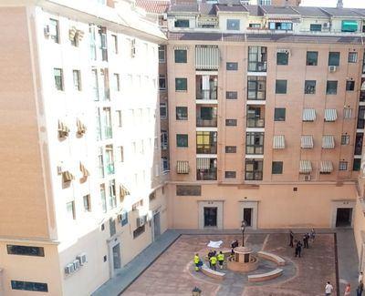 Fallece un hombre en Talavera al caer por el patio de interior