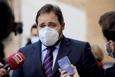 Génova podría estar buscando sustituto para Paco Núñez
