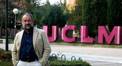 Julián Garde agradece la campaña de vacunación en la UCLM
