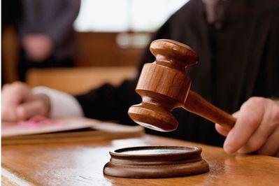 Una jueza reconoce la palmada en el culo como abuso sexual