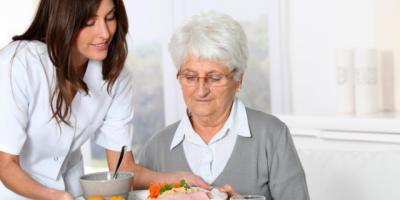 Cs Talavera quier poner en marcha un programa municipal de comida a domicilio para personas dependientes