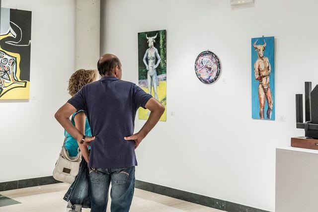 Exposición en el Centro Cultural Rafael Morales para homenajear al pintor Alfonso Bravo Pina
