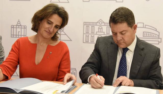 Page y la ministra Teresa Ribera, juntos en Puertollano / Archivo