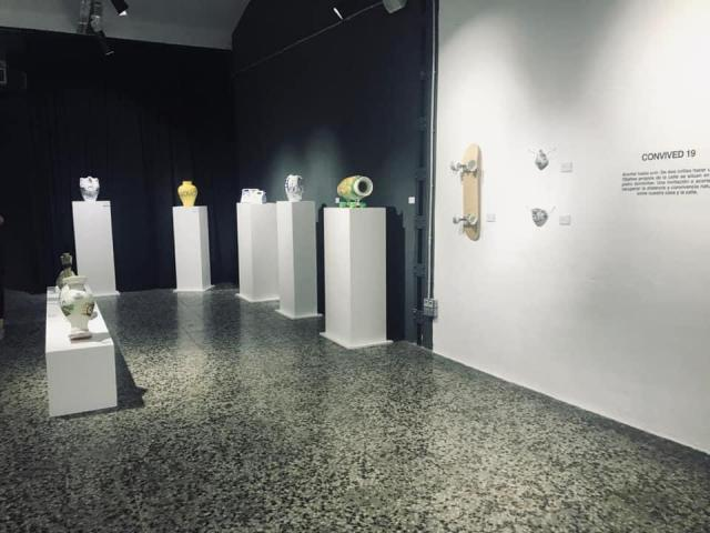 ARTE | Cerámica talaverana en la exposición 'HOST' del artista madrileño Carlos Yuste