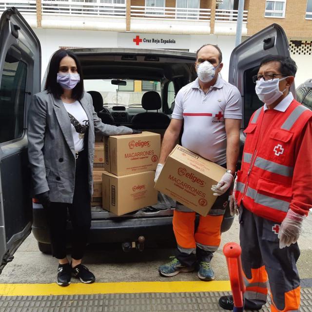 SOLIDARIDAD | Palets Talavera dona 300 kilos de alimentos a Cruz Roja
