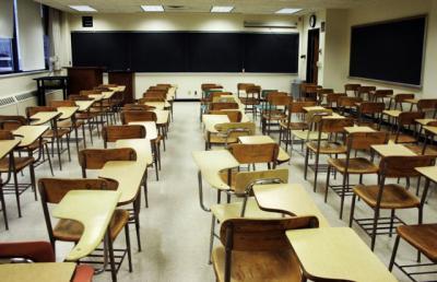 CLM aboga por ofrecer una 'buena formación' para combatir el abandono escolar y no contribuir al 'empleo precario'