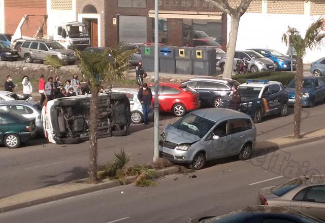 APARATOSO | Accidente múltiple en una avenida de Talavera con 4 vehículos implicados (FOTOS)