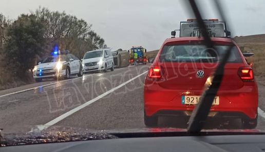 Herida una mujer embarazada y una niña de 10 años en un accidente de tráfico en Alcaudete de la Jara