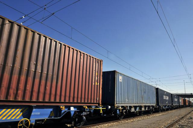 Toledo aprueba por unanimidad solicitar al Gobierno de España el tren de mercancías