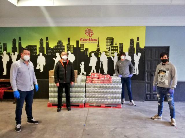DEPORTES | Alimentos para Cáritas y baja de Zamorano en el CF Talavera
